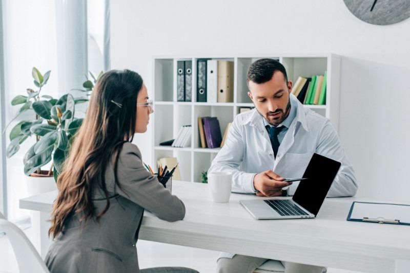 Patienten informieren durch Webdesign für Ärzte